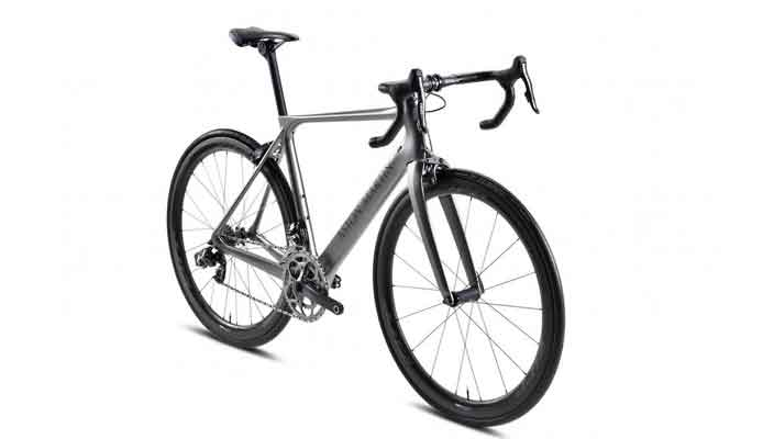Aston Martin выпустил очень легкий велосипед из нанокарбона