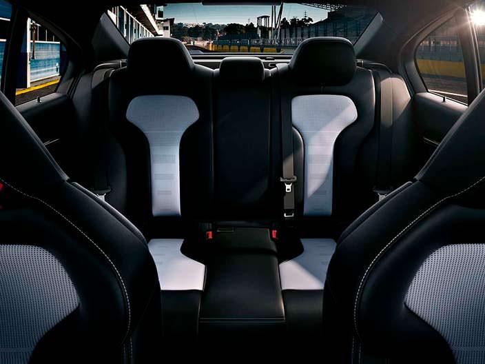 Задние сиденья BMW M3 CS