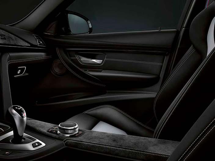 Дизайн интерьера BMW M3 CS