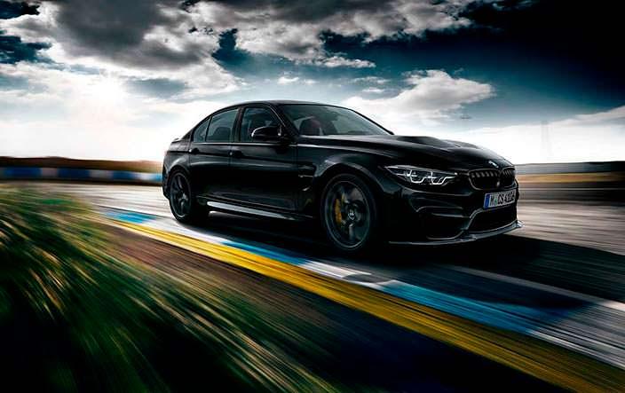 Спортивный седан BMW M3 CS