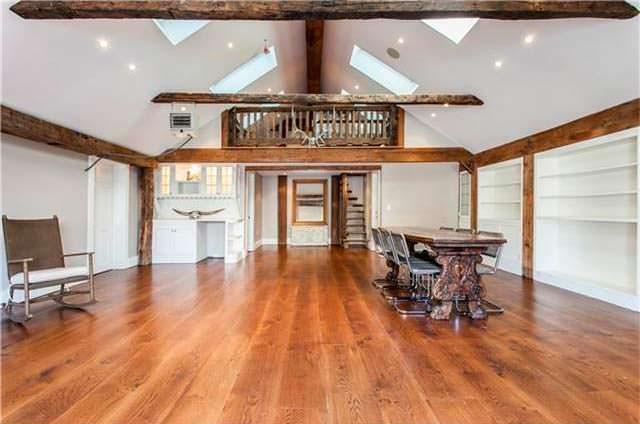 Деревянный пол в старом доме