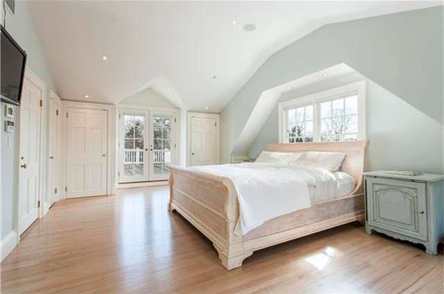 Дизайн спальни в старом доме актрисы Энн Хэтэуэй