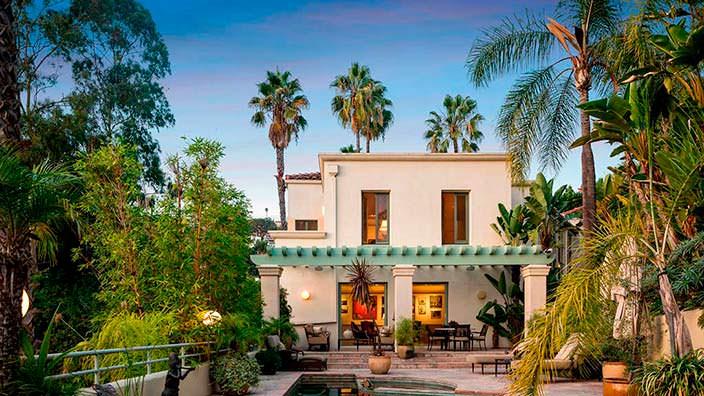 Дом с бассейном актрисы Хэлли Берри в Голливуде