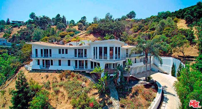Дом с шестью спальнями на Голливудских Холмах