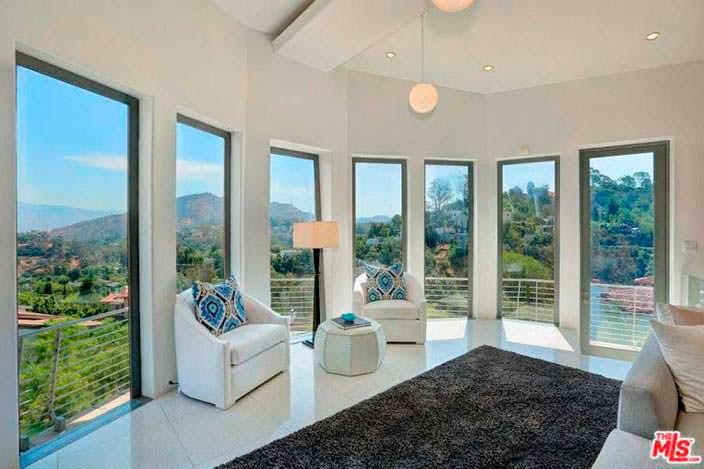 Вид на Лос-Анджелес из окон дома Кэти Гриффин