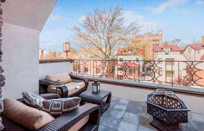 Балкон дома с видом на Бруклин
