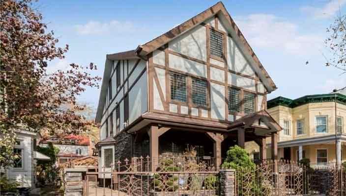 Дом культового персонажа Джона Траволты продается | фото, цена