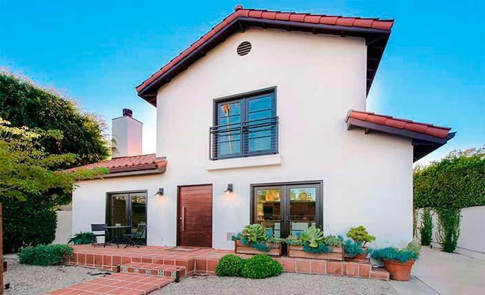 Дом в центре Лос-Анджелеса певицы Рианны