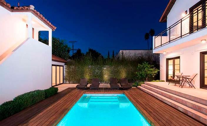 Недвижимость Рианны в центре Лос-Анджелеса