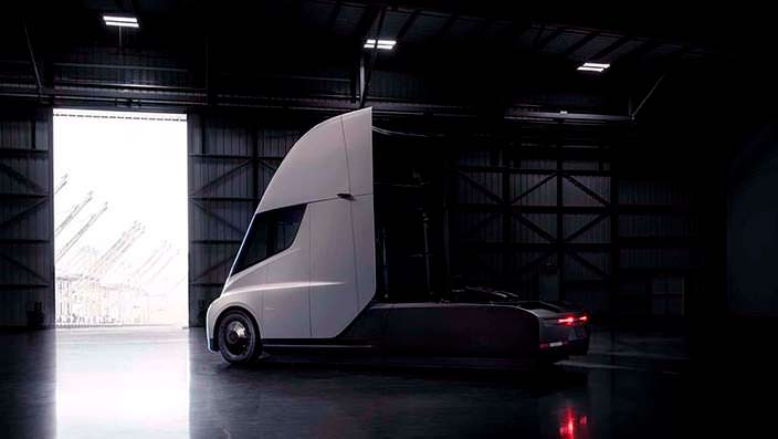 Электрический магистральный седельный тягач Tesla Semi
