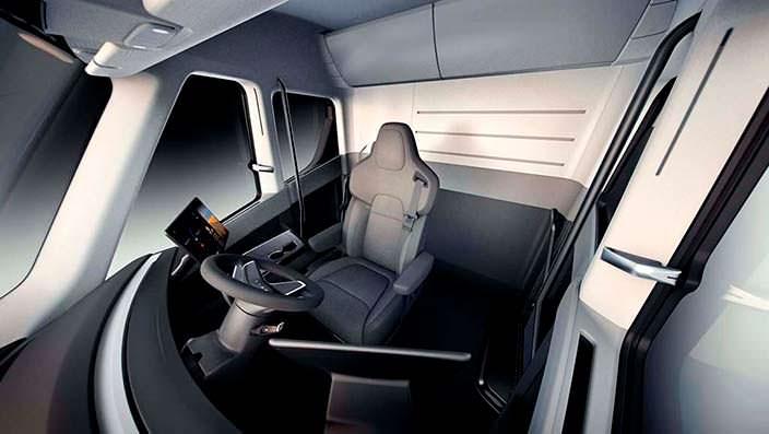 Футуристический салон грузовика Tesla Semi