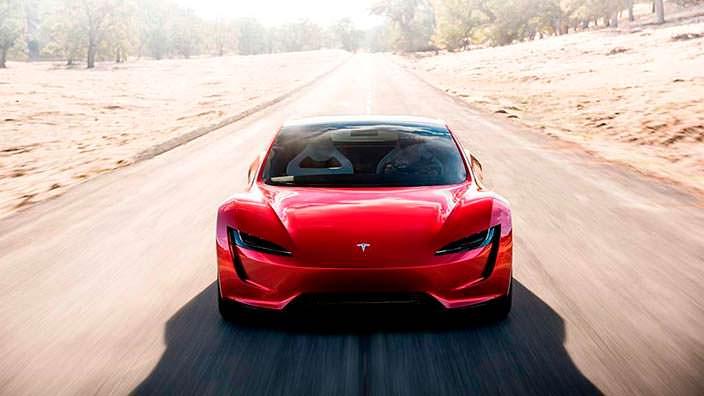 Tesla Roadster: максимальная скорость свыше 400 км/ч