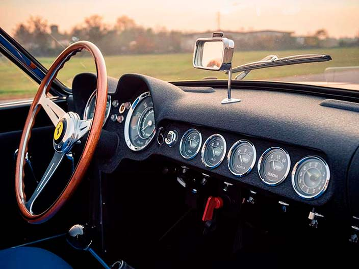Салон Ferrari 250 GT LWB California