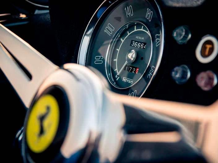 Приборная панель Ferrari 250 GT LWB California