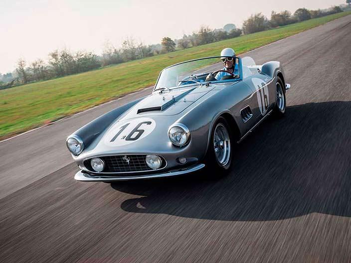 Классический родстер Ferrari 250 GT LWB California