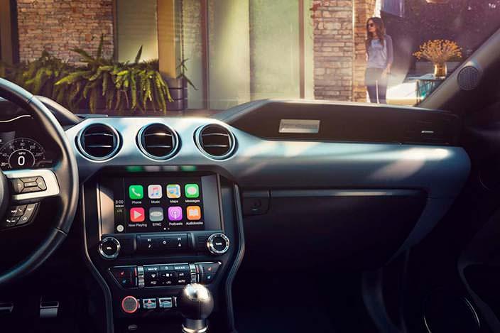 Новый Форд Мустанг внутри