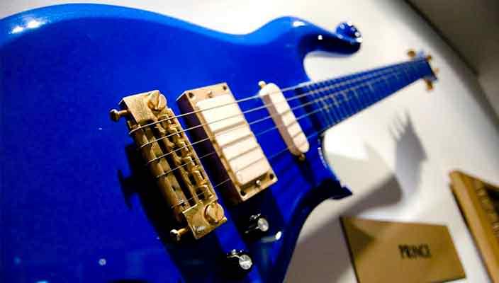 Гитара Принса продана на аукционе в Калифорнии | цена