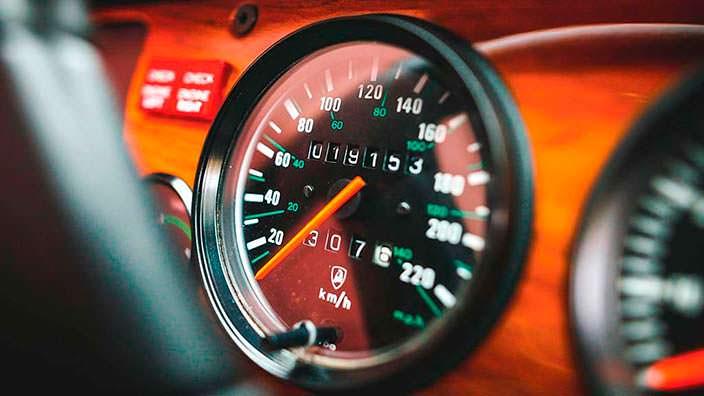 Одометр Lamborghini LM002