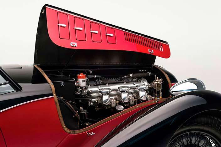 Под капотом Alfa Romeo 6C 2500 SS Spider 1942 года выпуска