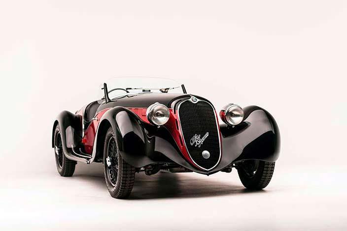 Отреставрированная Alfa Romeo 6C 2500 SS Spider 1942 года