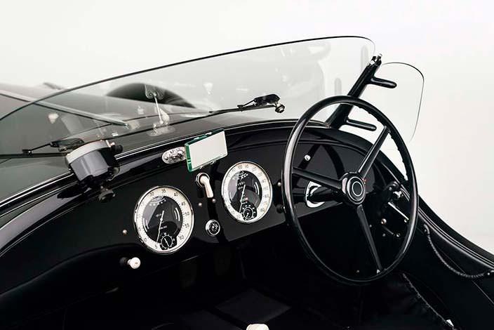 Салон кабриолета Alfa Romeo 6C 2500 SS Spider 1942 года