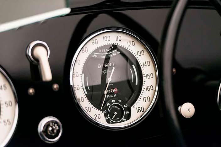 Оригинальный спидометр Alfa Romeo 6C 2500 SS Spider 1942 года