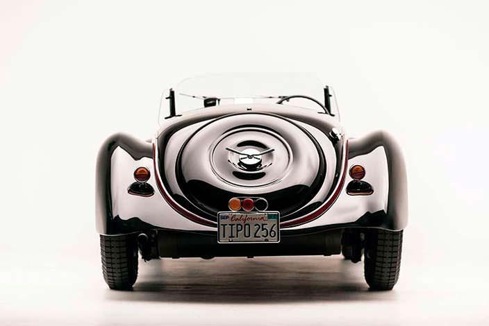 Кабриолет Alfa Romeo 6C 2500 SS Spider 1942 года выпуска