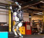 В Boston Dynamics научили робота паркуру, но не сразу | видео