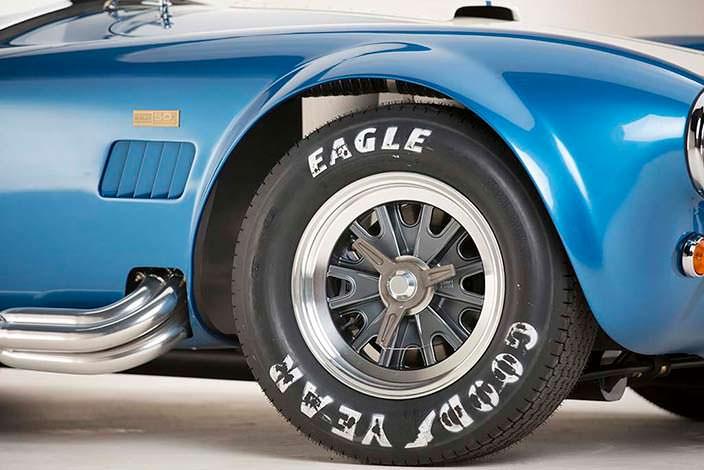Особое издание Shelby 427 Cobra 50th Anniversary Edition