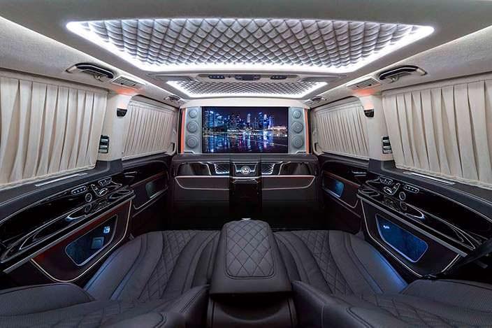 Салон с большим телевизором Mercedes V-Class. Тюнинг TopCar