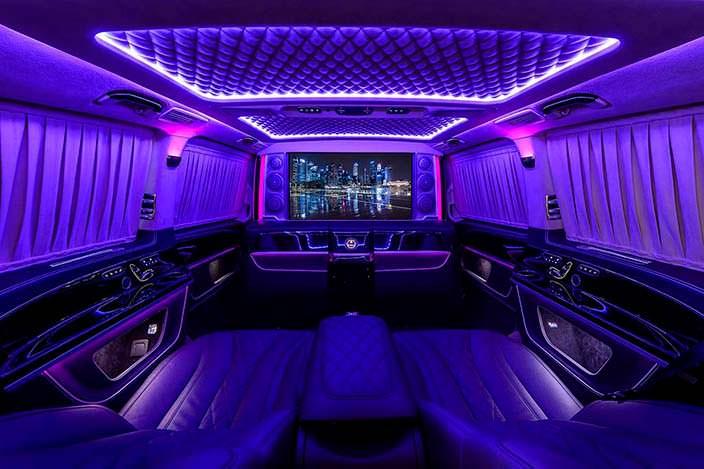Салон с неоновой подсветкой Mercedes V-Class. Тюнинг TopCar