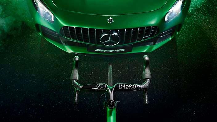 Комплект: суперкар и велосипед Mercedes-Benz
