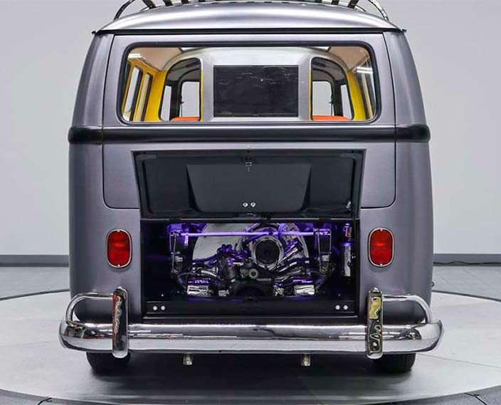 Моторный отсек с подсветкой в Volkswagen T1