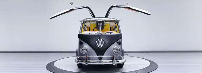 Вэн Volkswagen T1 1967 года в стиле «Назад в будущее»