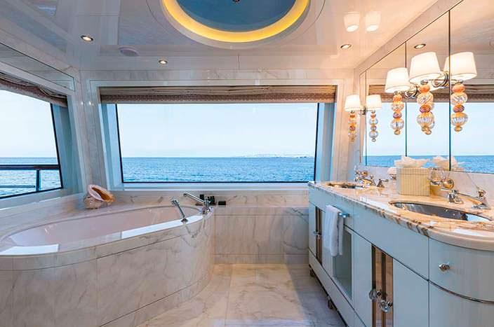 Ванная комната хозяйского люкса
