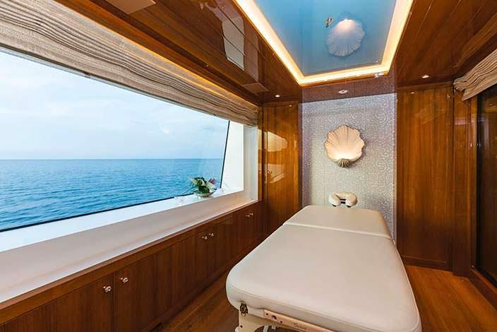 Массажный кабинет на яхте