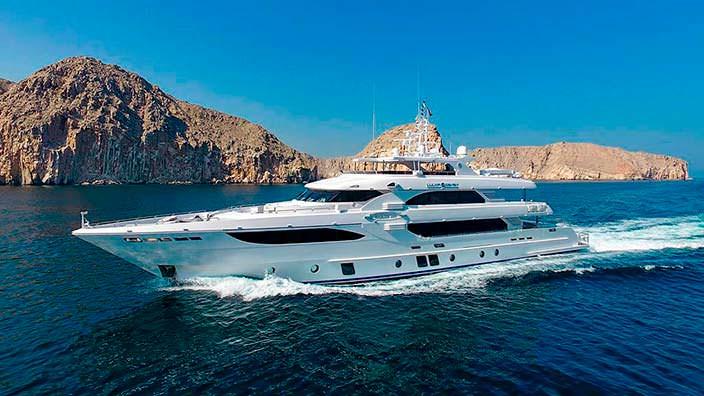 Технологичная яхта Lulwa серии Majesty 135 от Gulf Craft