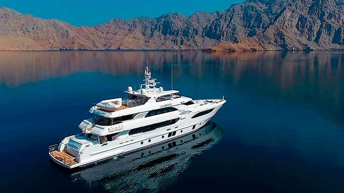 Новая яхта Lulwa от Gulf Craft. Длина 41,05-метра