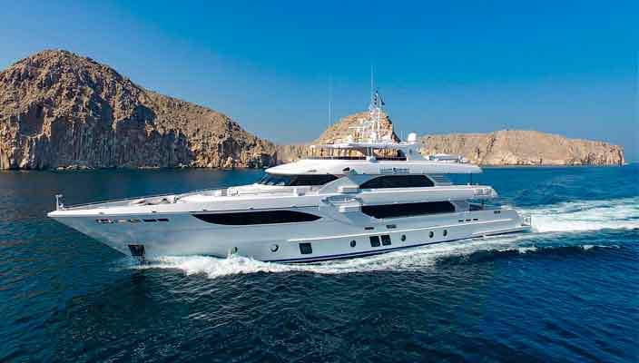 Gulf Craft доставил клиенту 41,05-метровую яхту Lulwa | фото