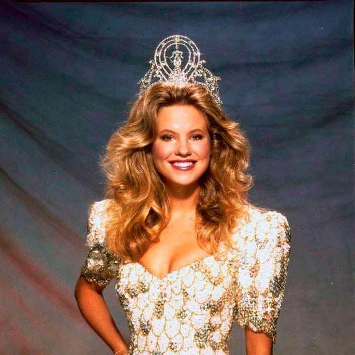 Ангела Виссер - 38-я Мисс Вселенная