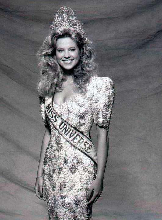 Ангела Виссер - Мисс Вселенная из Нидерландов