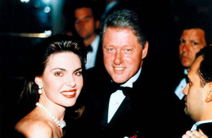 Фото | Мисс Вселенная 1986 и Билл Клинтон