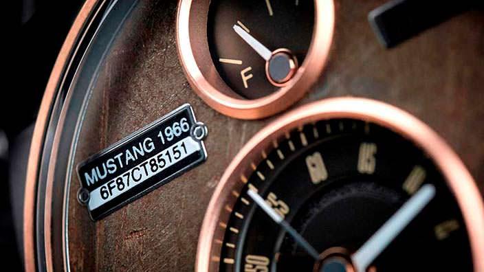 Серийный номер Ford Mustang на циферблате REC Watches