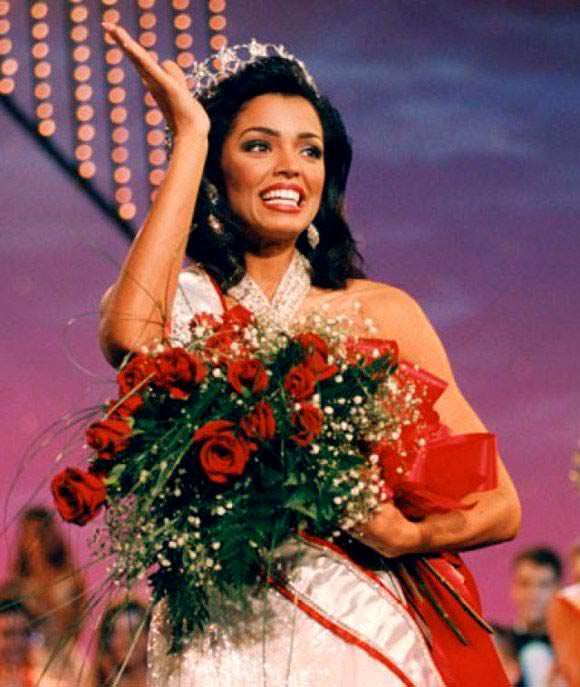 Челси Смит - Мисс Вселенная из США