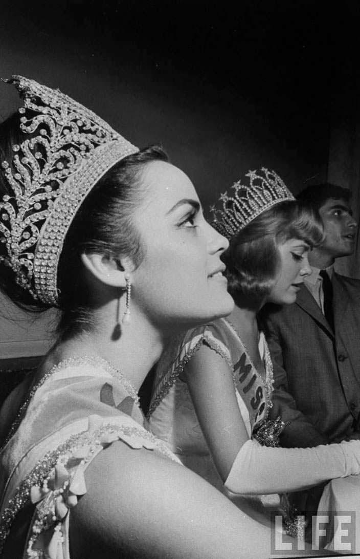 Коринна Тсопей - первая Мисс Вселенная из Греции