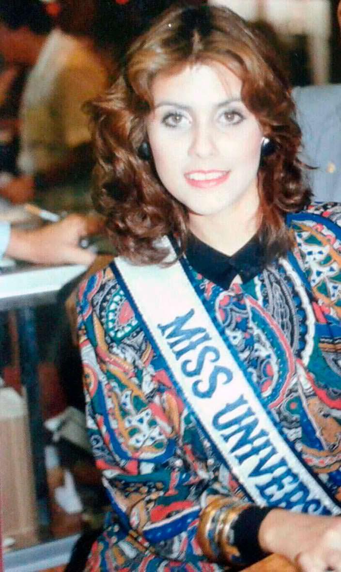 Дебора Карти Деу - 34-я Мисс Вселенная