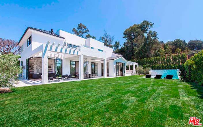 Недвижимость спортсмена Леброна Джеймса в Голливуде