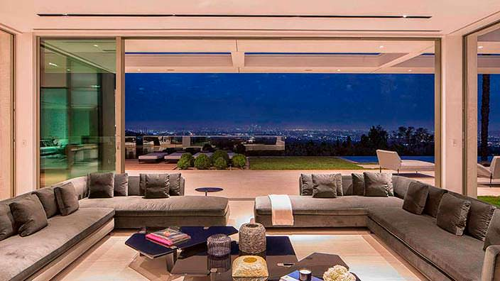 Панорамный вид на Лос-Анджелес и океан из дома Майкла Бэя
