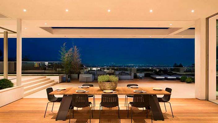 Дом в Бэль-Эйр с панорамным видом на Лос-Анджелес