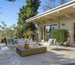Дом первой девушки Бонда Урсулы Андресс в Голливуде продается